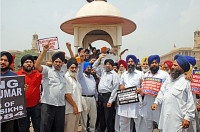 NOVEMBER 1984 MASSACRE :   SIKHS CONTINUE PROTESTS AGAINST SAJJAN KUMAR ACQUITTAL